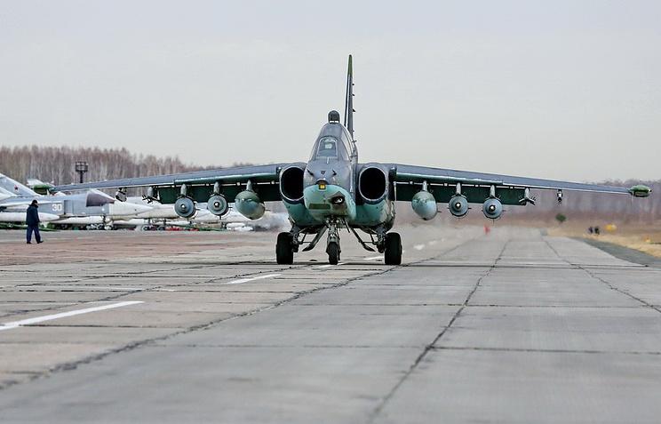 """Штурмовик Су-25 на авиабазе """"Кант"""""""