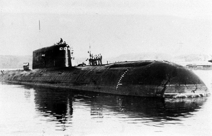 """Атомная подводная лодка """"Комсомолец"""". На фото: АПЛ перед выходом в последнее плавание. 1989 год"""