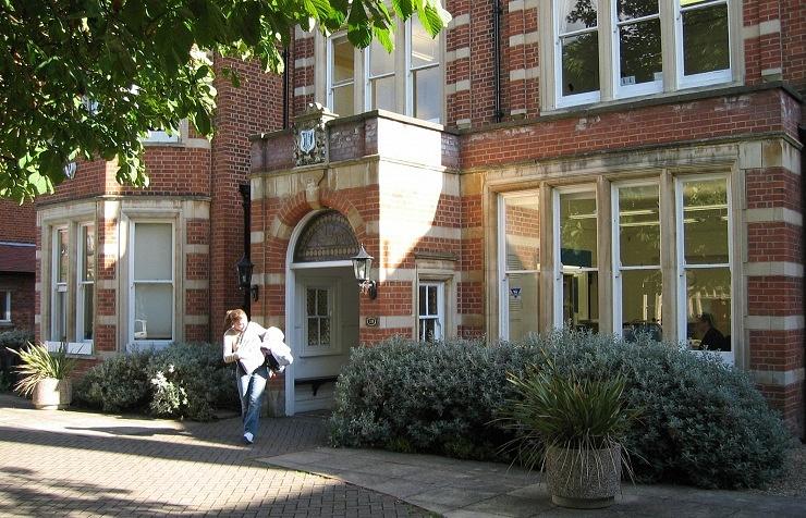 Международный колледж St.Clare's Oxford, главное здание
