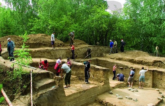 Раскопки в Усть-Мензе