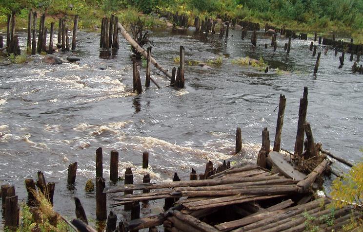 Развалины шлюза Тихвинской водной системы