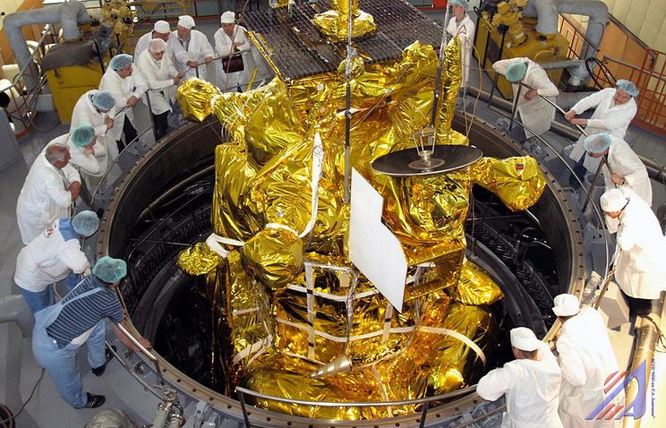 """Подготовка к запуску межпланетной станции """"Фобос-Грунт""""2011 год"""
