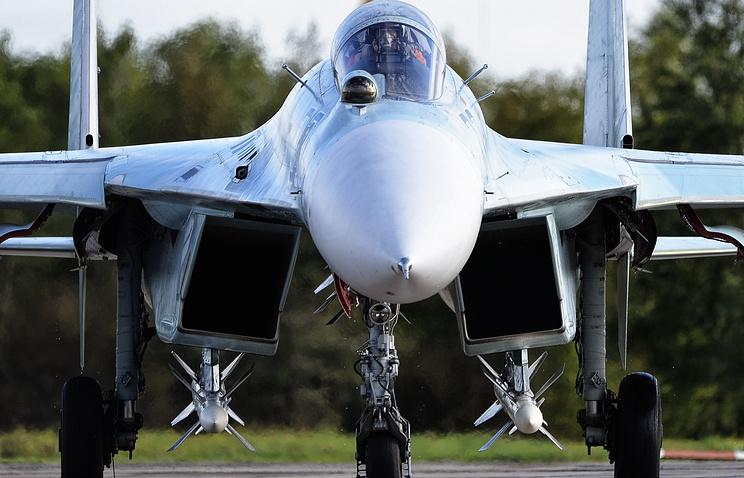 Самолёт ВВС РФ Су-27