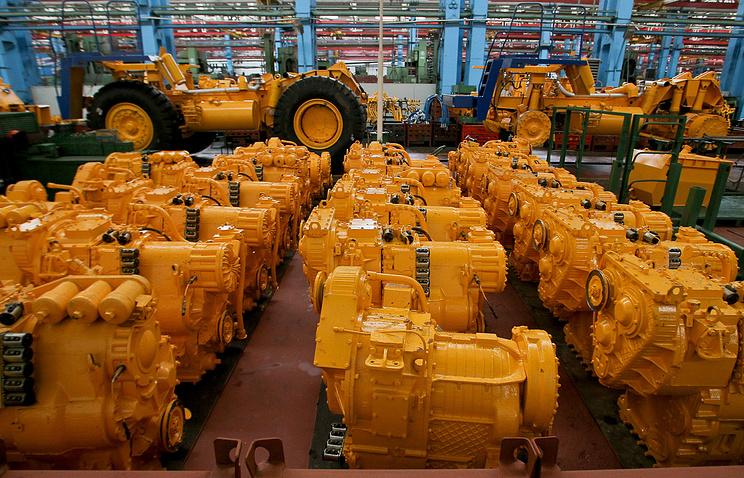 Сборочный цех на территории завода БелАЗ