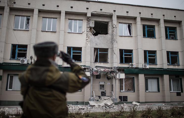 Украина, Луганская область,  13 ноября 2014 года. Последствия обстрела украинской армией города Славяносербск
