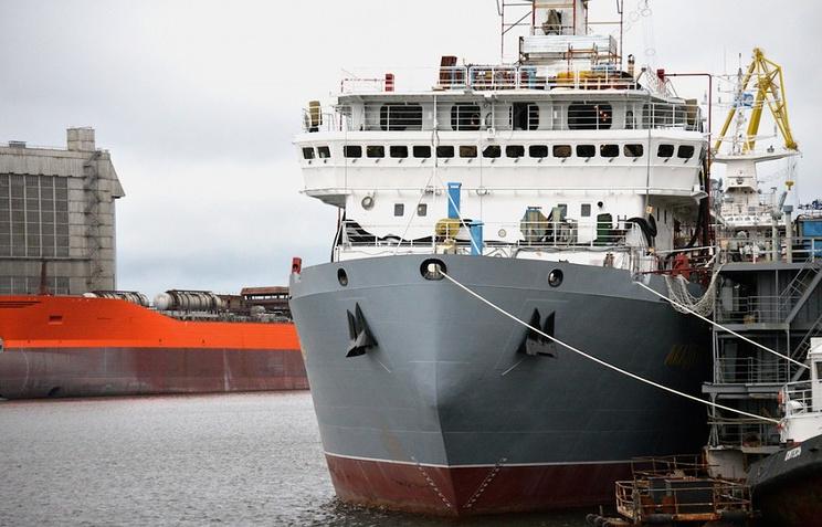 """Морской транспорт вооружения """"Академик Ковалев"""""""