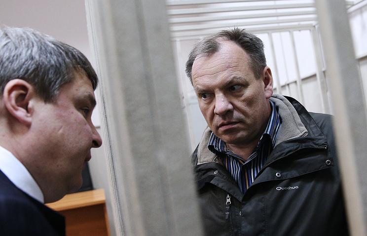 Владимир Леденев (справа)