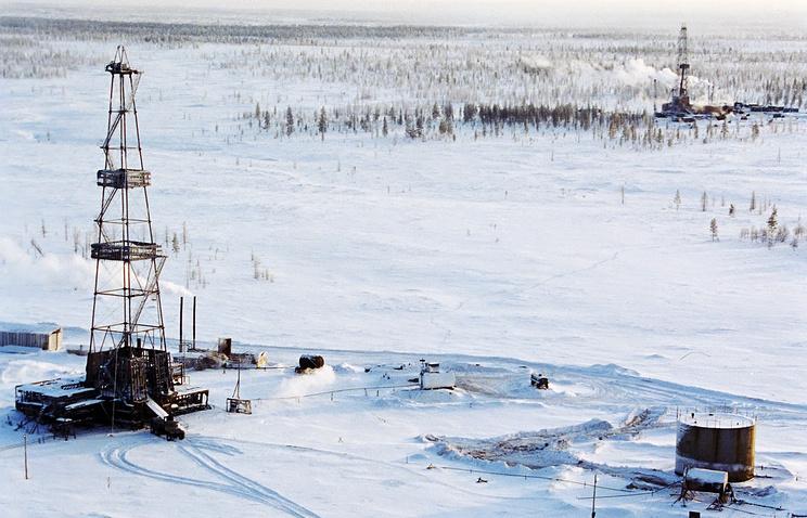 Буровые установки Уралмашзавода на Пуровском газовом месторождении, Ямал