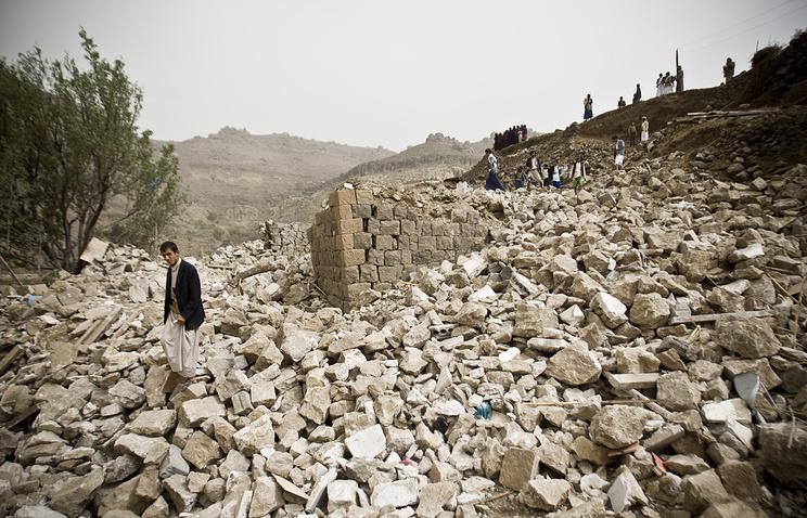 Последствия авиаударов в Йемене