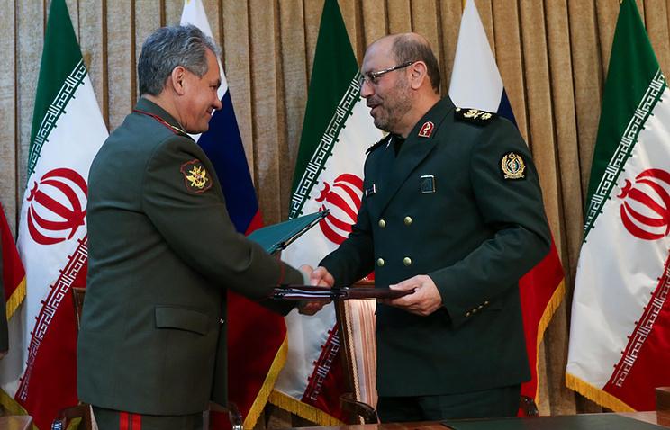 Министр обороны РФ Сергей Шойгу и министр обороны ИРИ Хосейн Дехган в Тегеране, 2015 год