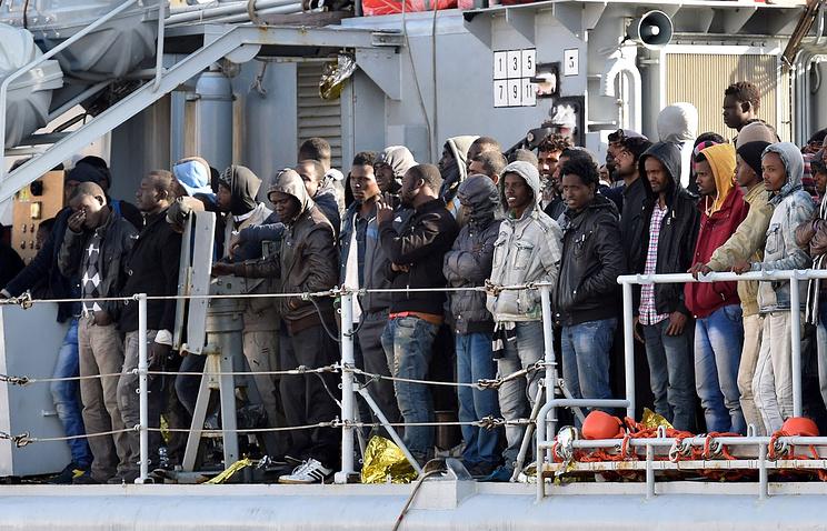 Операция по спасению мигрантов в Средиземном море