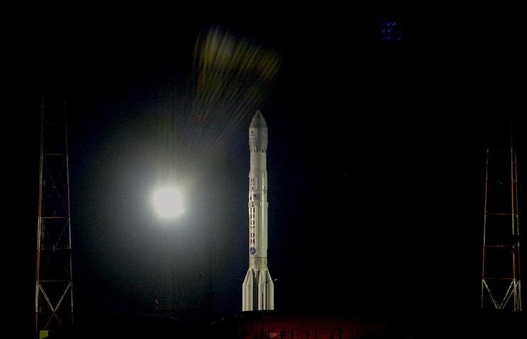 Запуск российской ракеты тяжелого  класса с космодрома Байконур