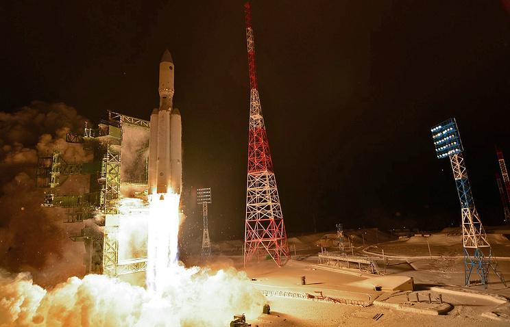 """Старт ракеты-носителя """"Ангара-А5"""" на космодроме Плесецк"""