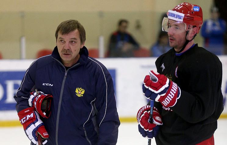 Главный тренер сборной России Олег Знарок и Илья Ковальчук
