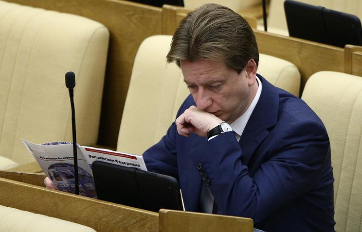 Первый заместитель председателя комитета ГД по образованию Владимир Бурматов