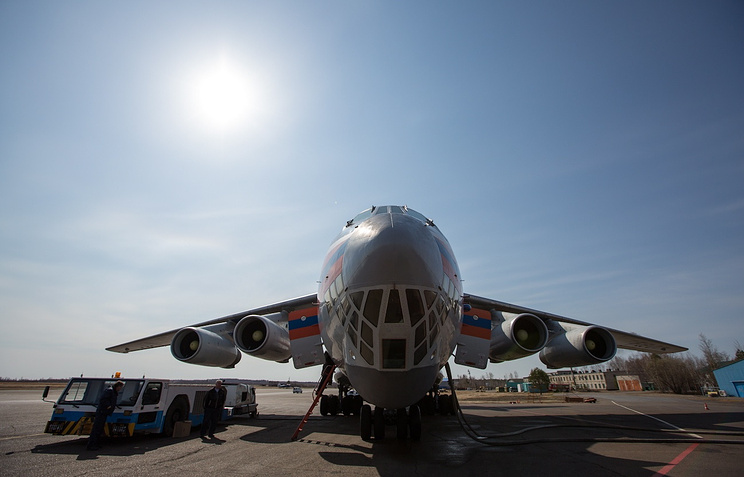 Самолет Ил-76 МЧС РФ