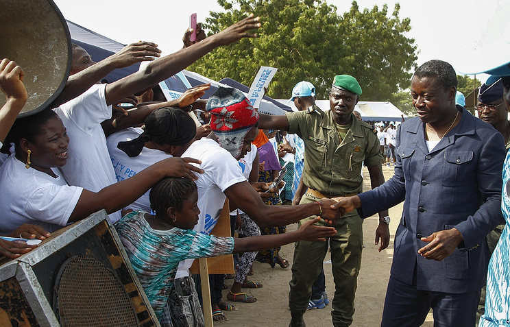 Фор Гнасингбе (справа) во время президентской кампании