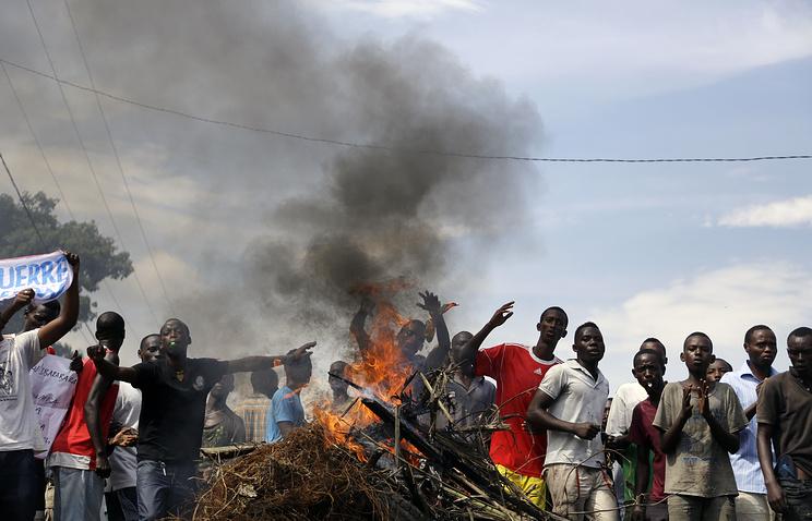 Демонстранты в столице Бурунди Бужумбуре