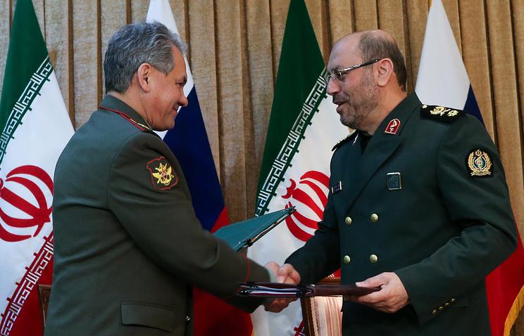 Министр обороны РФ генерал армии Сергей Шойгу  и министр обороны и поддержки вооруженных сил Ирана Хосейн Дехкан