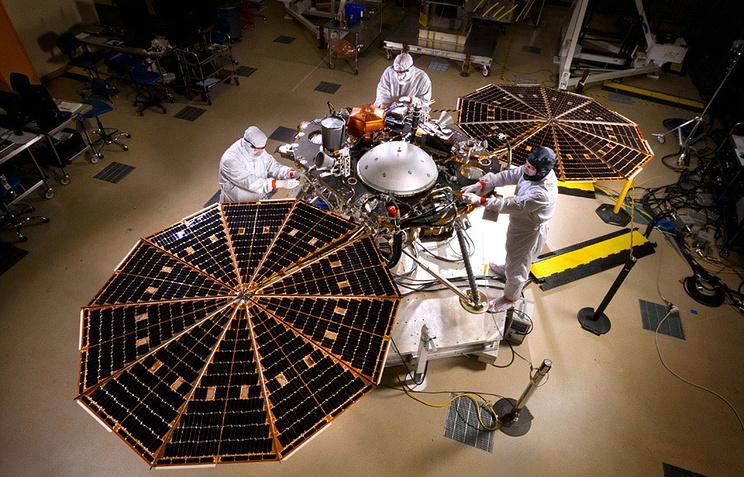 """Аппарат """"Инсайт"""" (InSight), предназначенный для отправки на Марс"""