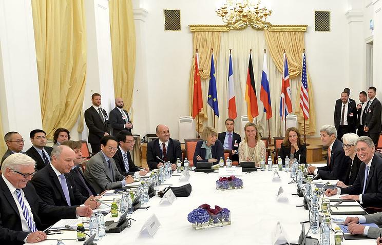 """Во время переговоров Ирана и """"шестерки"""", 9  июля 2015 года"""
