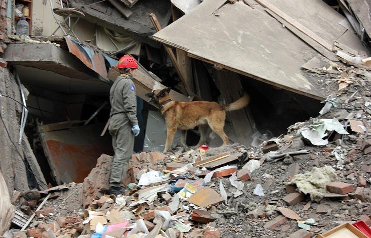 Спасатели на месте обрушения части жилого пятиэтажного дома в Перми