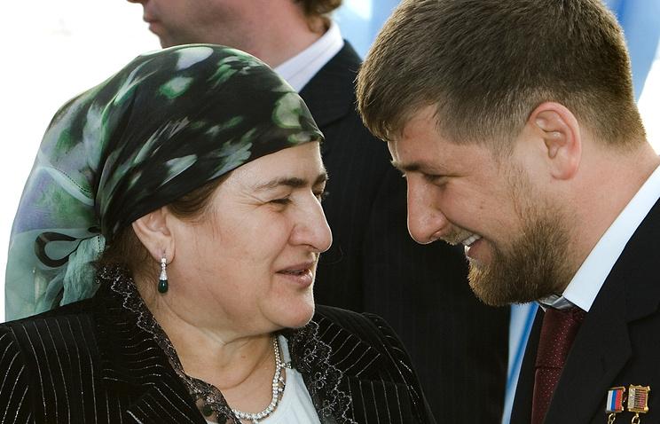 Президент Чечни Рамзан Кадыров с матерью Аймани