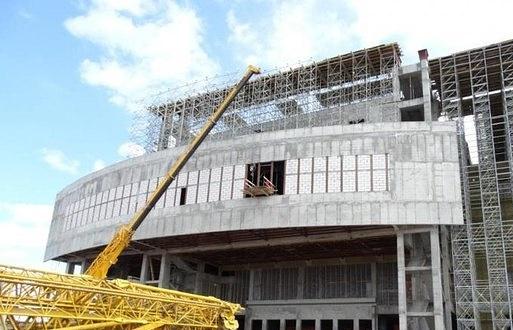 """Строительство ДК  """"Нефтяник""""  в Сургуте"""
