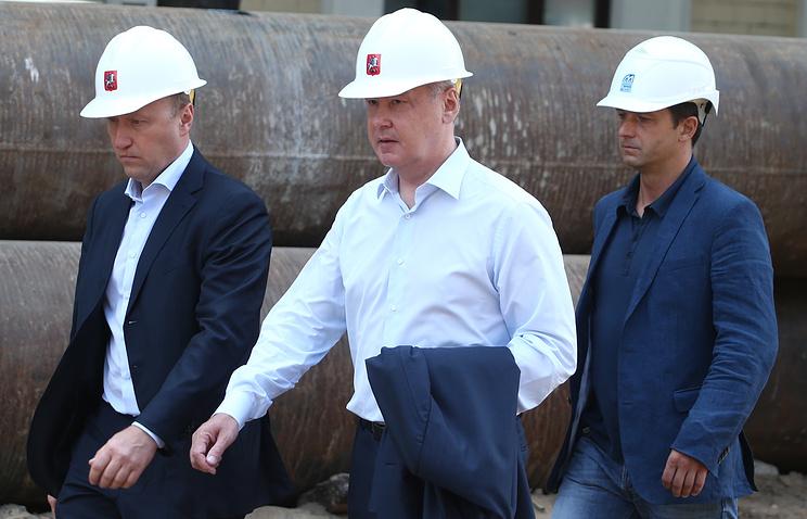 Руководитель Департамента строительства города Москвы Андрей Бочкарев и мэр Москвы Сергей Собянин (слева направо)