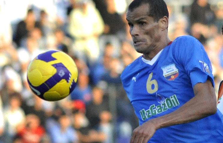 Футболист Ривалдо