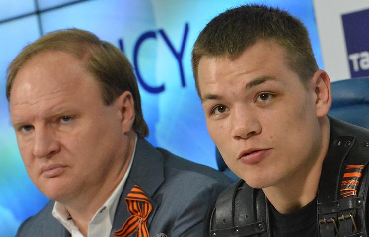 Федор Чудинов (справа) и его промоутер Владимир Хрюнов