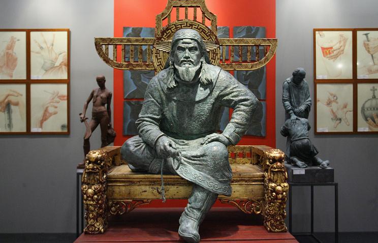 """Работа скульптора Ивана Коржева """"Чингисхан"""". 2008 год"""