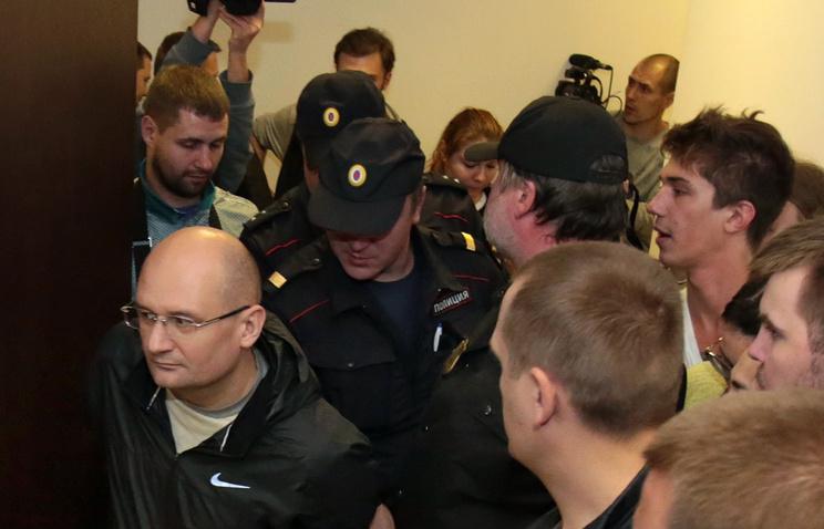 Александр Горбунов (слева)