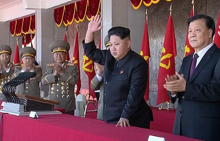 Лидер КНДР Ким Чен Ын на параде