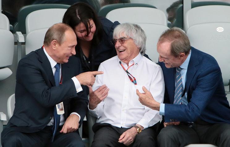 Президент РФ Владимир Путин, президент Formula One Management Берни Экклстоун и представитель Международного олимпийского комитета Жан-Клод Килли