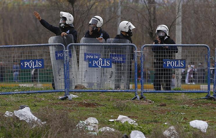 Взрыв вТурции: Погибли 7 полицейских и27 человек получили ранения