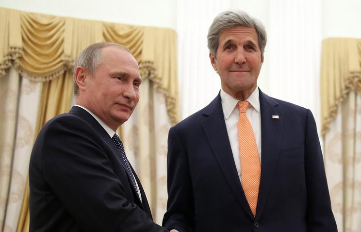 Президент РФ Владимир Путин и государственный секретарь США Джон Керри во время встречи в Кремле