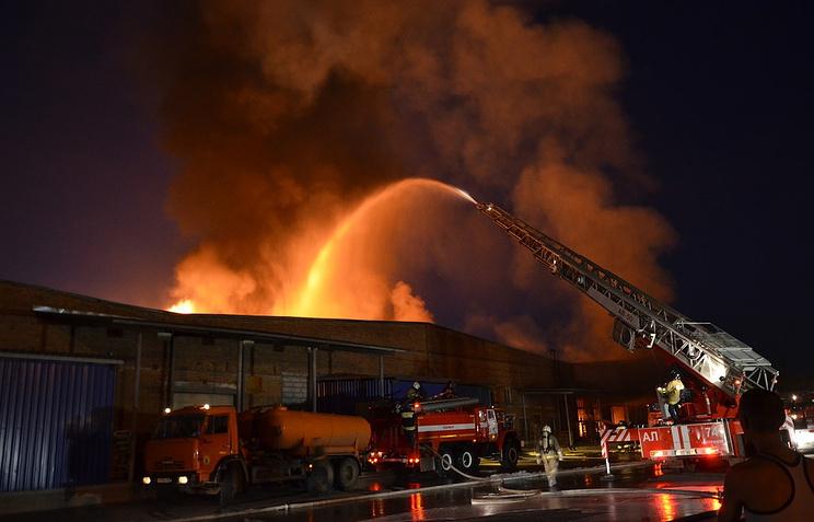 ВМЧС назвали причину пожара наскладе спиротехникой под Екатеринбургом