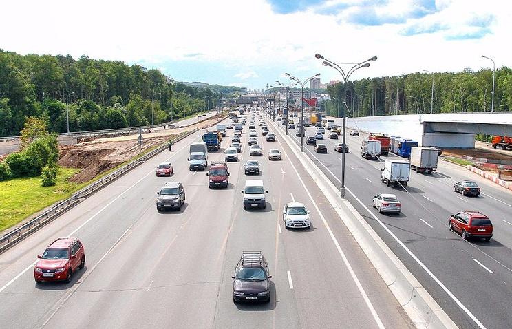 Напересечениях МКАД свылетными магистралями разбили 42 гектара газонов
