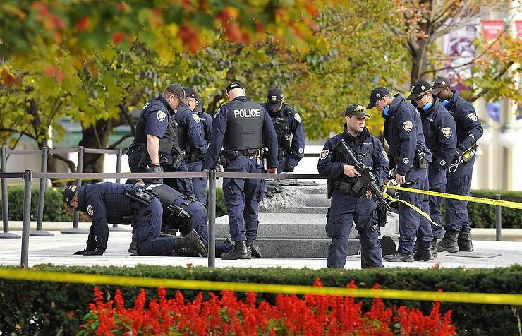 Два человека пострадали при стрельбе в коммерческом центре вКанаде