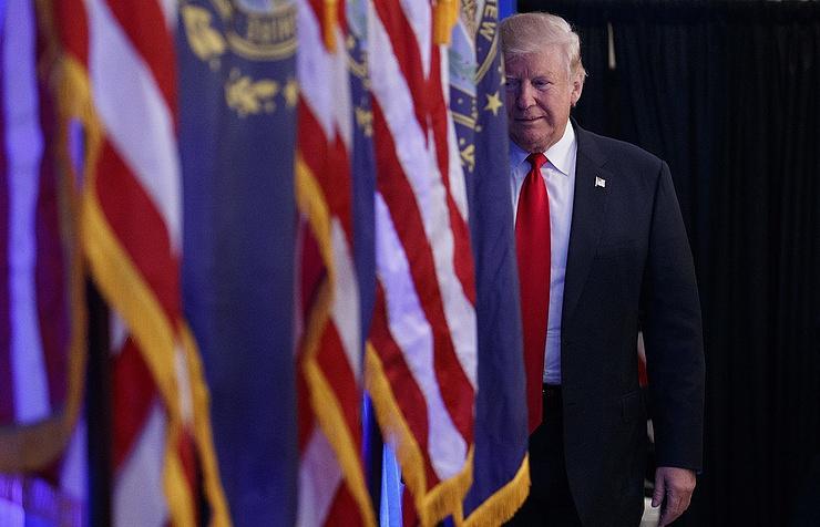 Трамп провел переговоры с«яростным противником В.Путина идругом Украины»