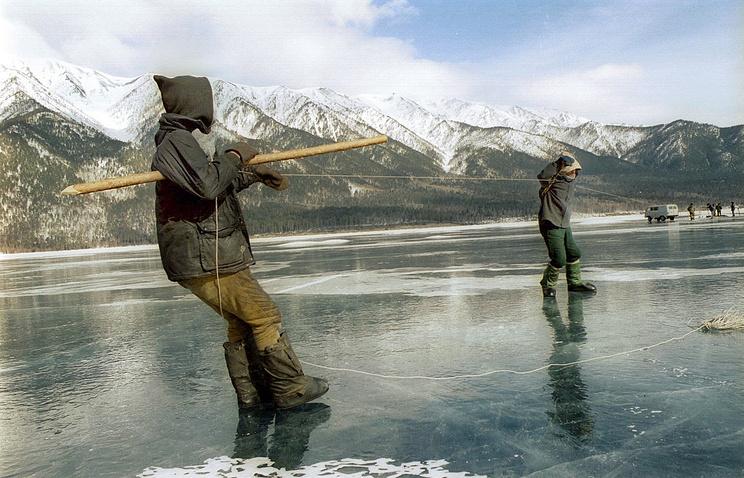 С2017 года возере Байкал запретят вылов омуля