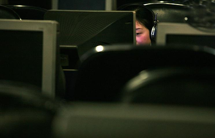 Бухгалтер украла 240 тыс. долларов ираздала ихлюбимым видеоблогерам