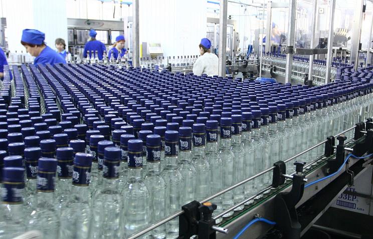 Путин поручил ввести лицензирование иобязательную маркировку спиртосодержащей продукции