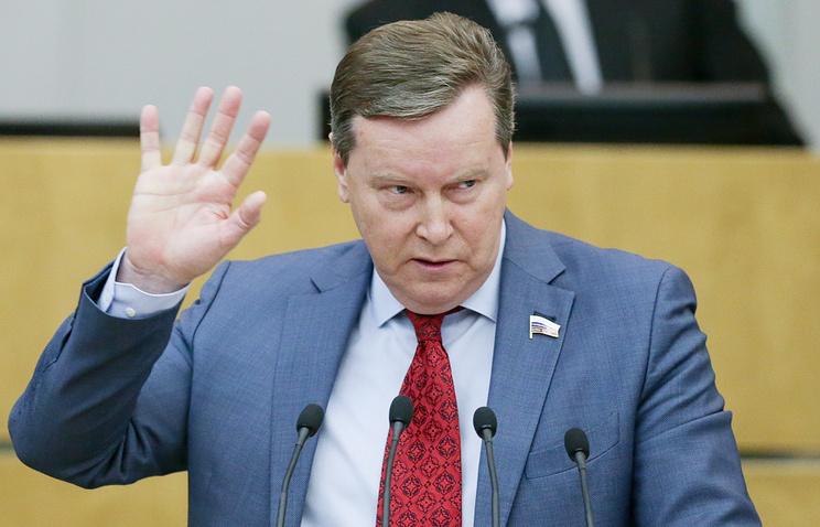 Олег Нилов