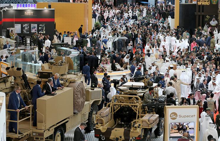 Рустам Минниханов посетил оборонную выставку вАбу-Даби