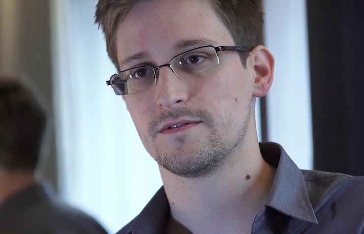 Сноуден прокомментировал опубликованные WikiLeaks тайные документы ЦРУ