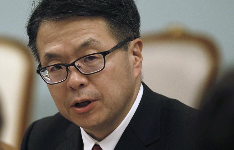Впроцессе визита в РФ премьера Японии будет сопровождать министр экономики страны
