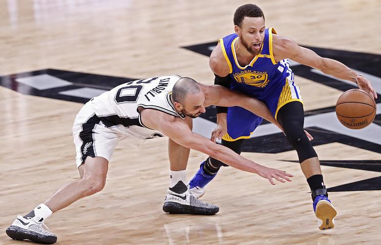 «Голден Стэйт» в 3-й раз подряд сыграет вфинале плей-офф НБА