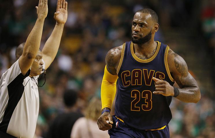 Баскетболист ЛеБрон Джеймс превзошел достижение знаменитого Джордана